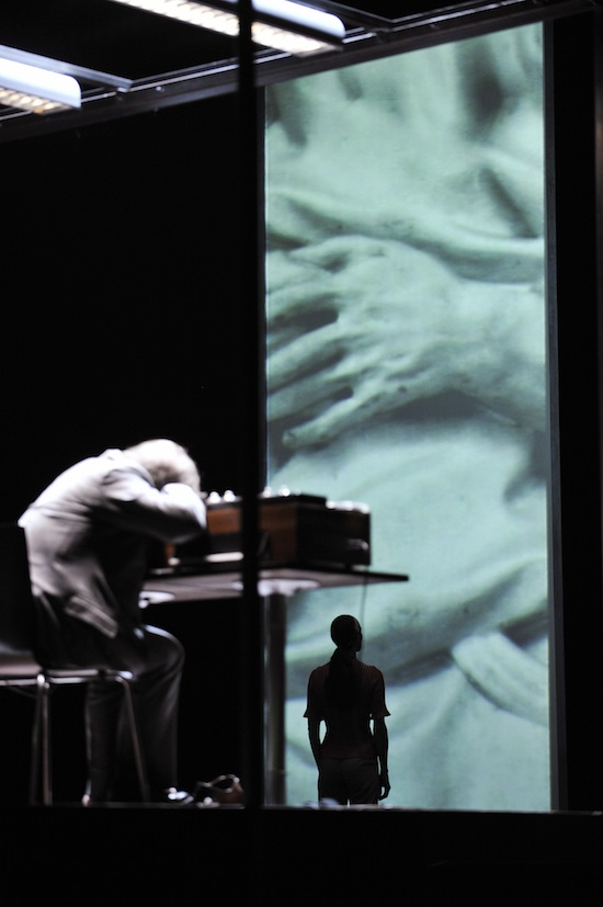 André Jung als Krapp – Bild | Copyright: Arno Declair