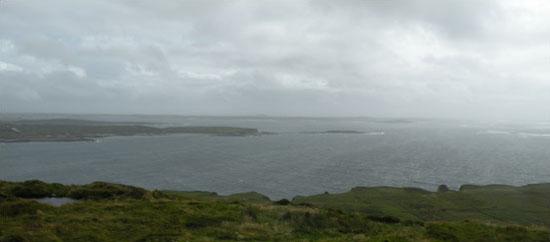 Raue Aussicht über die irischen Klippen
