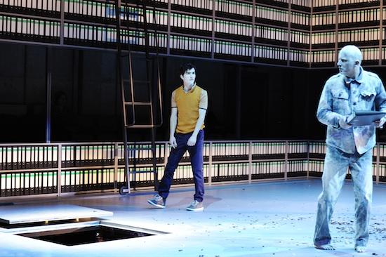 Sean McDonagh, Lukas Holzhausen (als Wüthrich) | Foto|Copyright: Tanja Dorendorf, T+T Fotografie