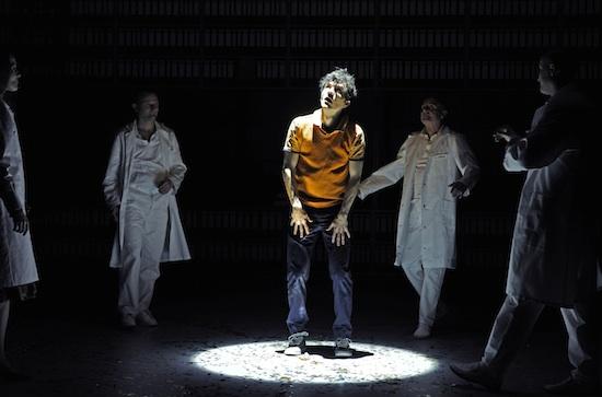 Ursula Doll (als Gosbor), Klaus Brömmelmeier (als Arzt), Sean McDonagh, Ludwig Boettger (als Arzt), Lukas Holzhausen (als Arzt) | Foto|Copyright: Tanja Dorendorf, T+T Fotografie