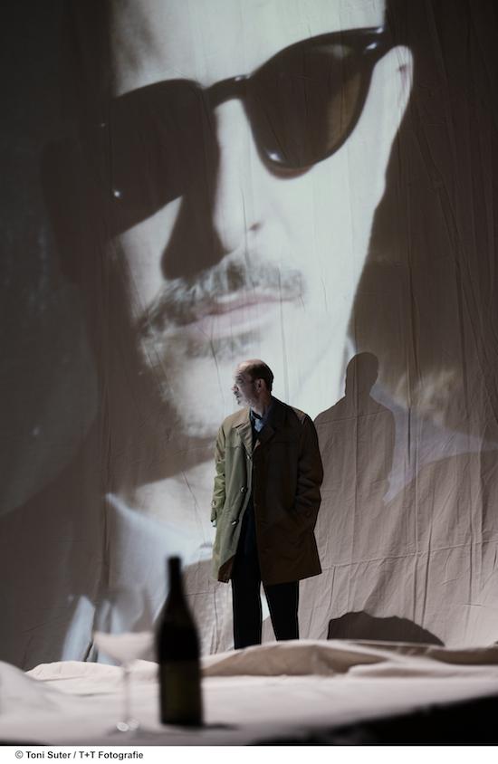 Bild: Siggi Schwientek, Lukas Holzhausen (auf Projektion)