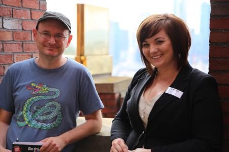Autor Christoph Dittert und Monique Räker, die Patin für die Protagonistin Monika Riker war.