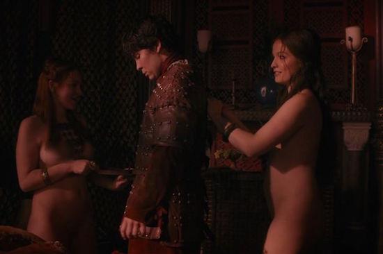 Wenn's Spass macht, wird nichts berechnet - GoTs Prostituierte haben grosse Herzen.